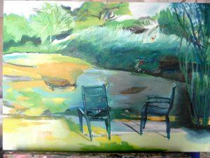 8.Zwei Stühle an gelber Fläche